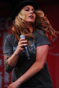 Anouk (singer)